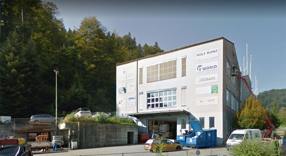 Hier in diesem Industriebau in Wolhusen geschäftet Musik Niederberg heute – bald geht's nach Luzern.