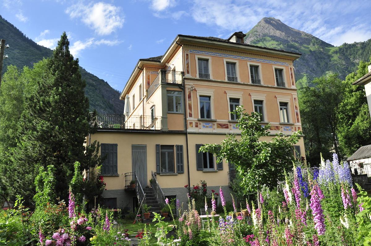 Das Hotel im Bleniotal: die Casa Lucomagno mit acht Gästezimmern.