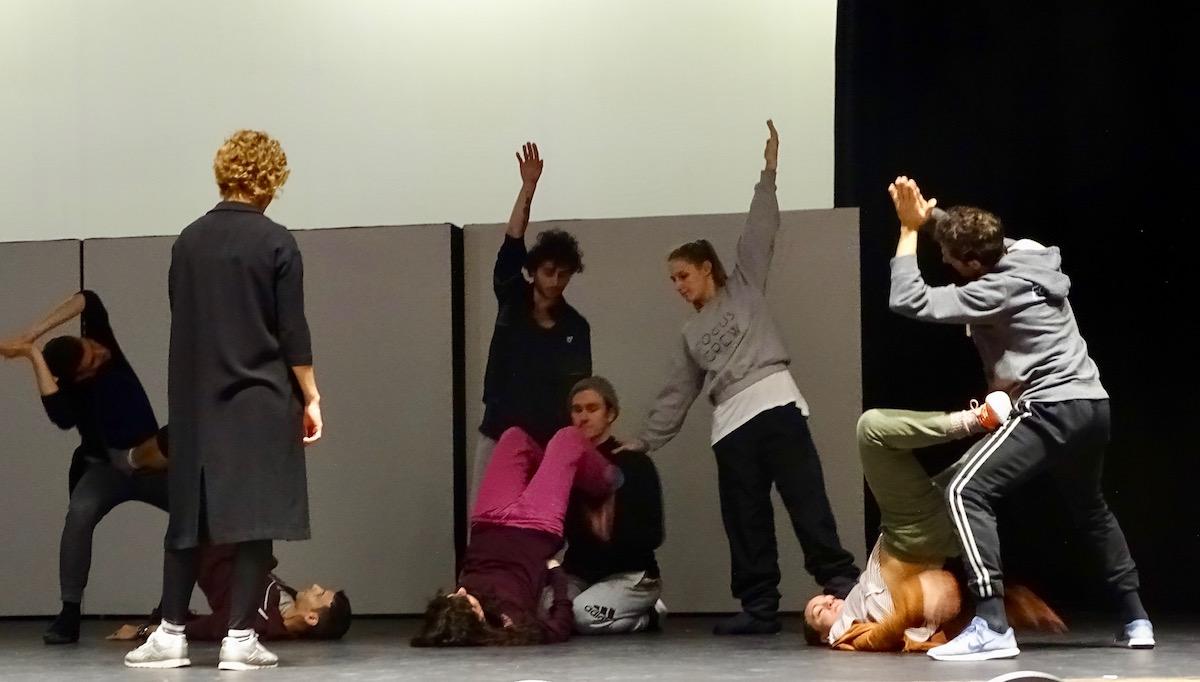 Erinnert an Gymnastik: Die Probe im Le Théâtre.