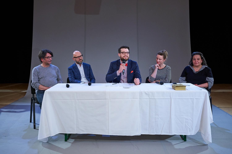 Sie redeten über Lösungen für die Kulturschaffenden (von links): Edwin Beeler, Peter Haerle, Moderator Christof Bühler, Sophie Stierle und Catherine Huth.