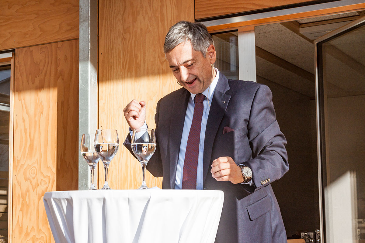 Regierungsrat Guido Graf eröffnet am Freitagnachmittag mit einer Ansprache das neue Asylzentrum im Grosshof.