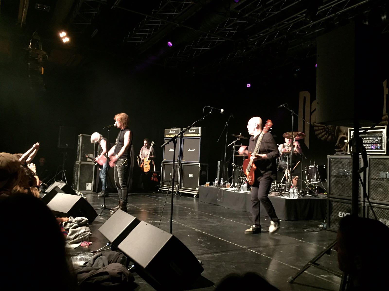 Die Rock-Urgesteine von nahem, rechts Pete Agnew als einziges verbliebenes Original-Bandmitglied am Bass