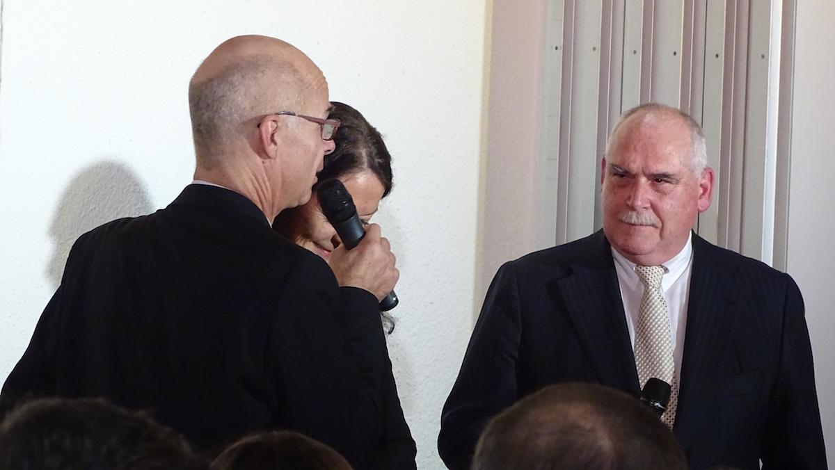 Andréas Härry (Le Théâtre) mit dem Emmer Gemeinderat Urs Dickerhof.