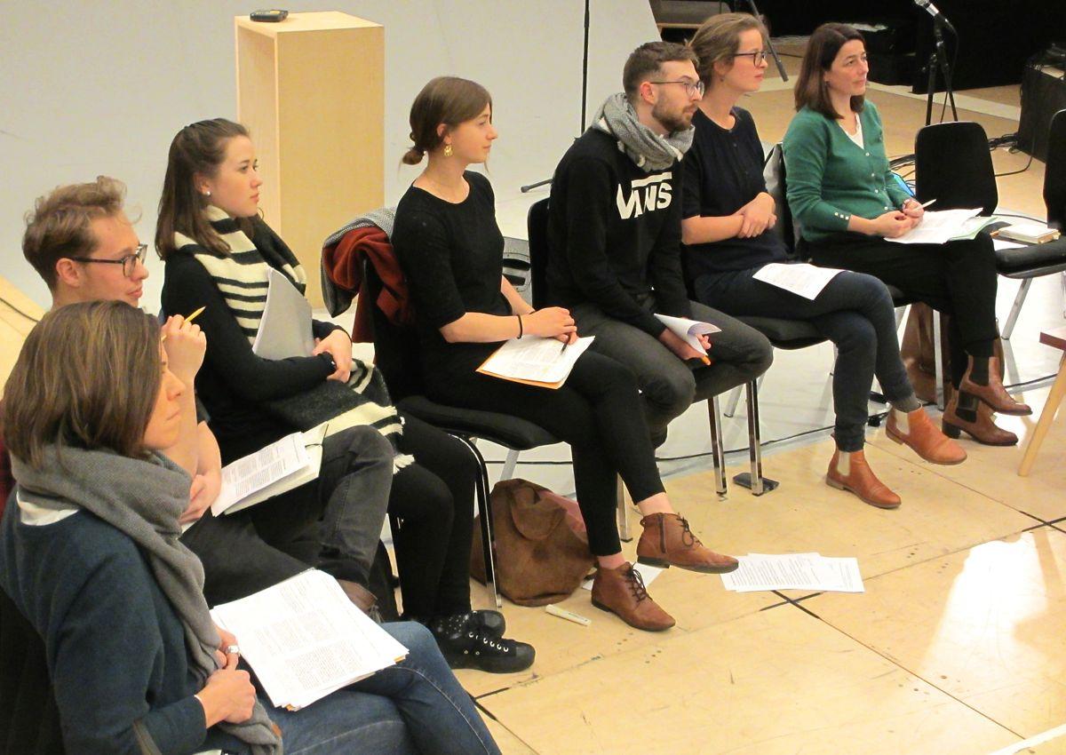 Interessierte Teilnehmerinnen und Teilnehmer am offenen Seminar.