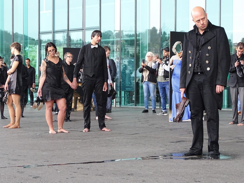 Manuel Kühne (ganz rechts) war einer der Initianten der Aktion.