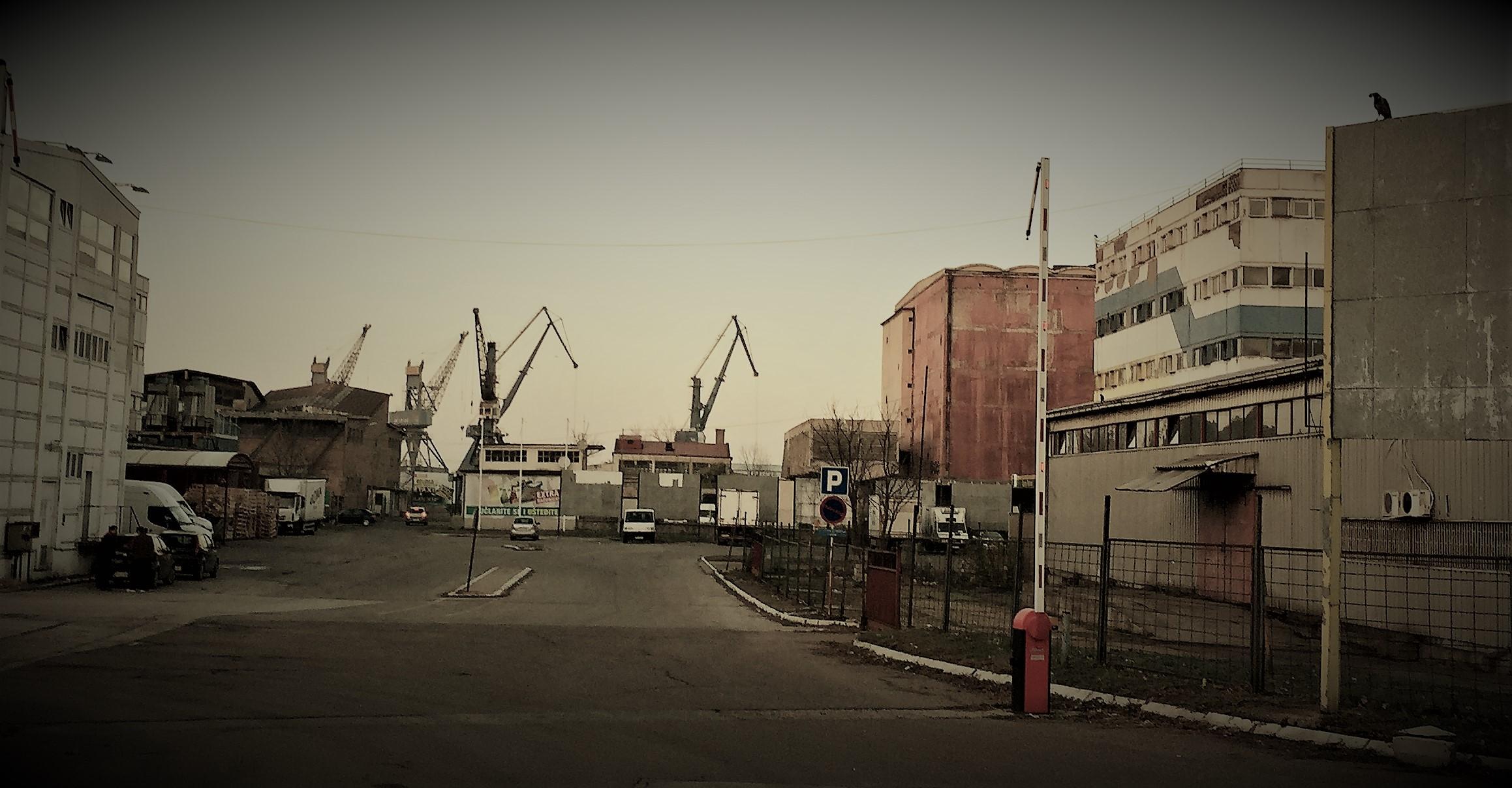 Das alte Hafengelände ist teils ziemlich verlottert.