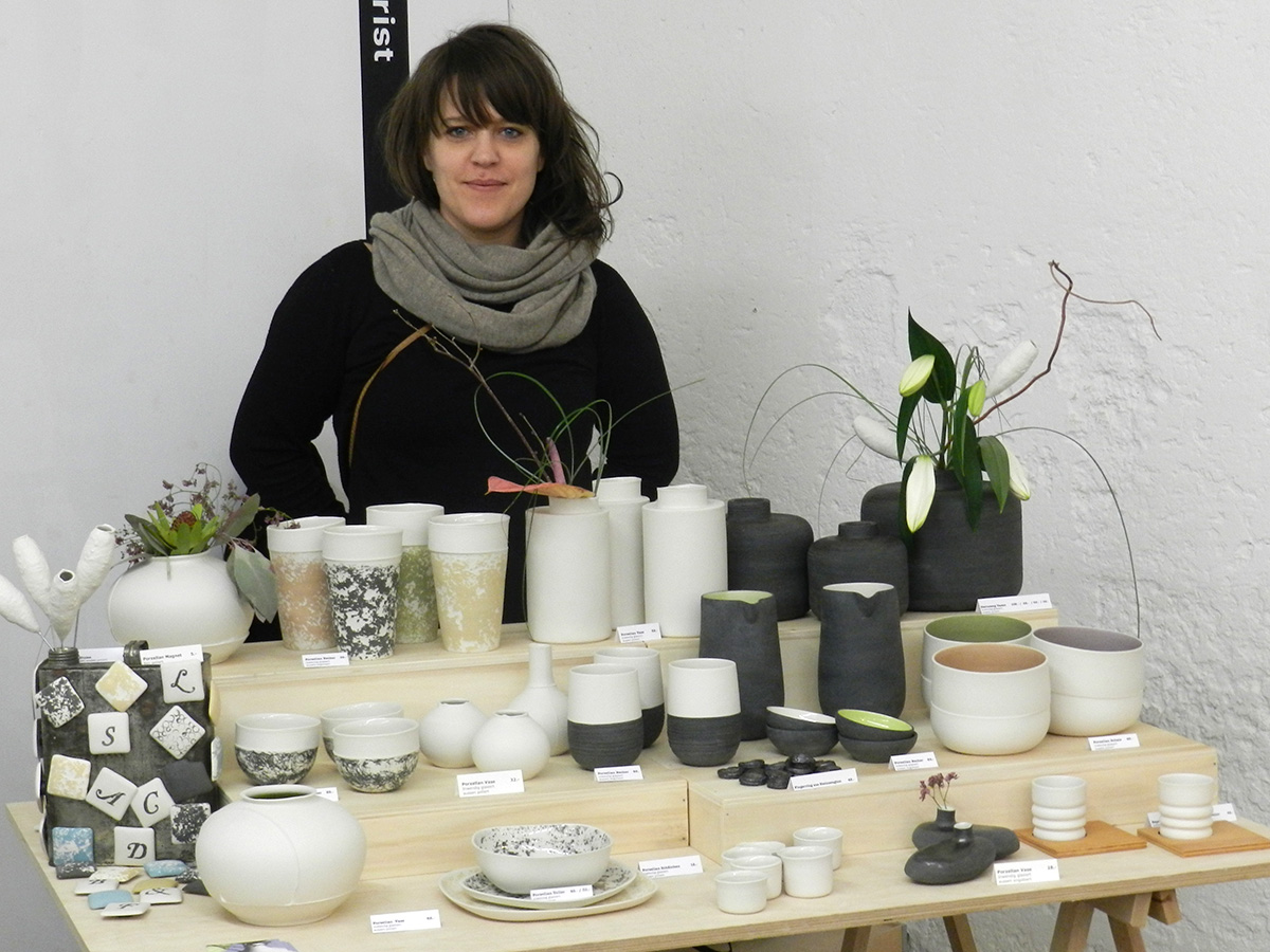 Denise Sigrist aus Kreuzlingen stellt kunstvolle Keramikgefässe her.