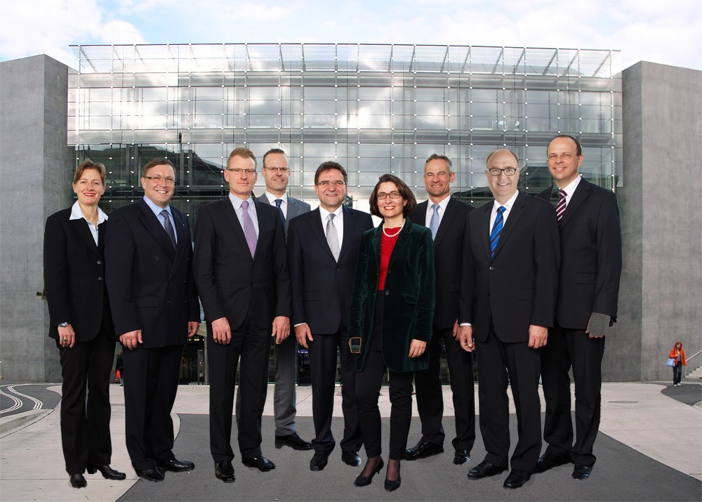 Der Regierungsrat – ganz mobil und modern. Wird er sich auf dem neuen Foto so präsentieren?