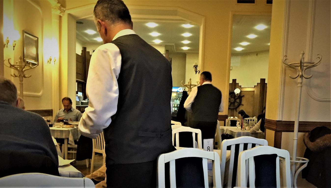 In Beizen und Cafés kann noch die Zigi angezündet werden.