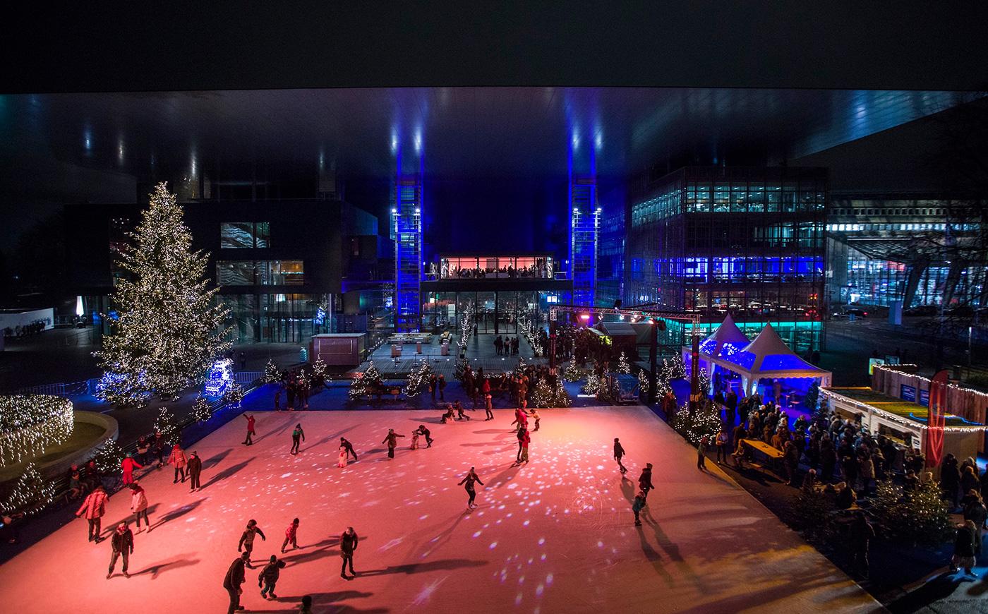 Das KKL ist wieder im Weihnachtsfieber: Eisfeld und Glühweinstände auf dem Europaplatz.
