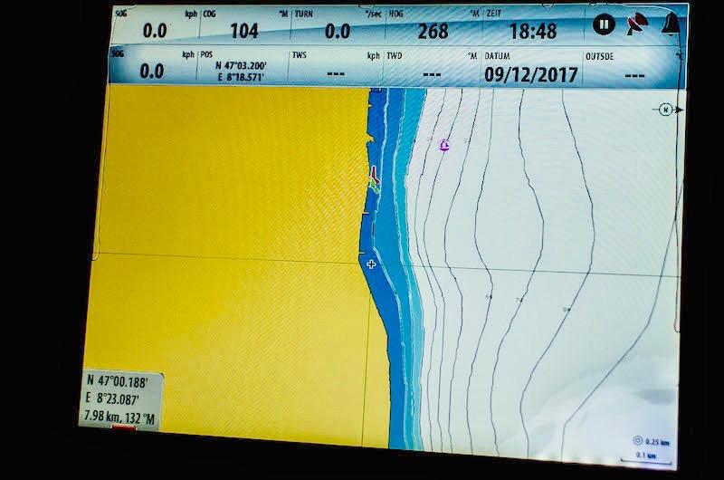 So präsentiert sich dem Steuermann die topographische Situation vor dem Bürgenstock.