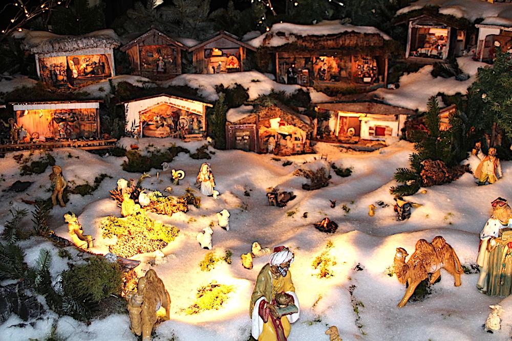 Ein richtiges Krippen-Dorf ist die tolle Baarer Krippe in der Zugermatte.