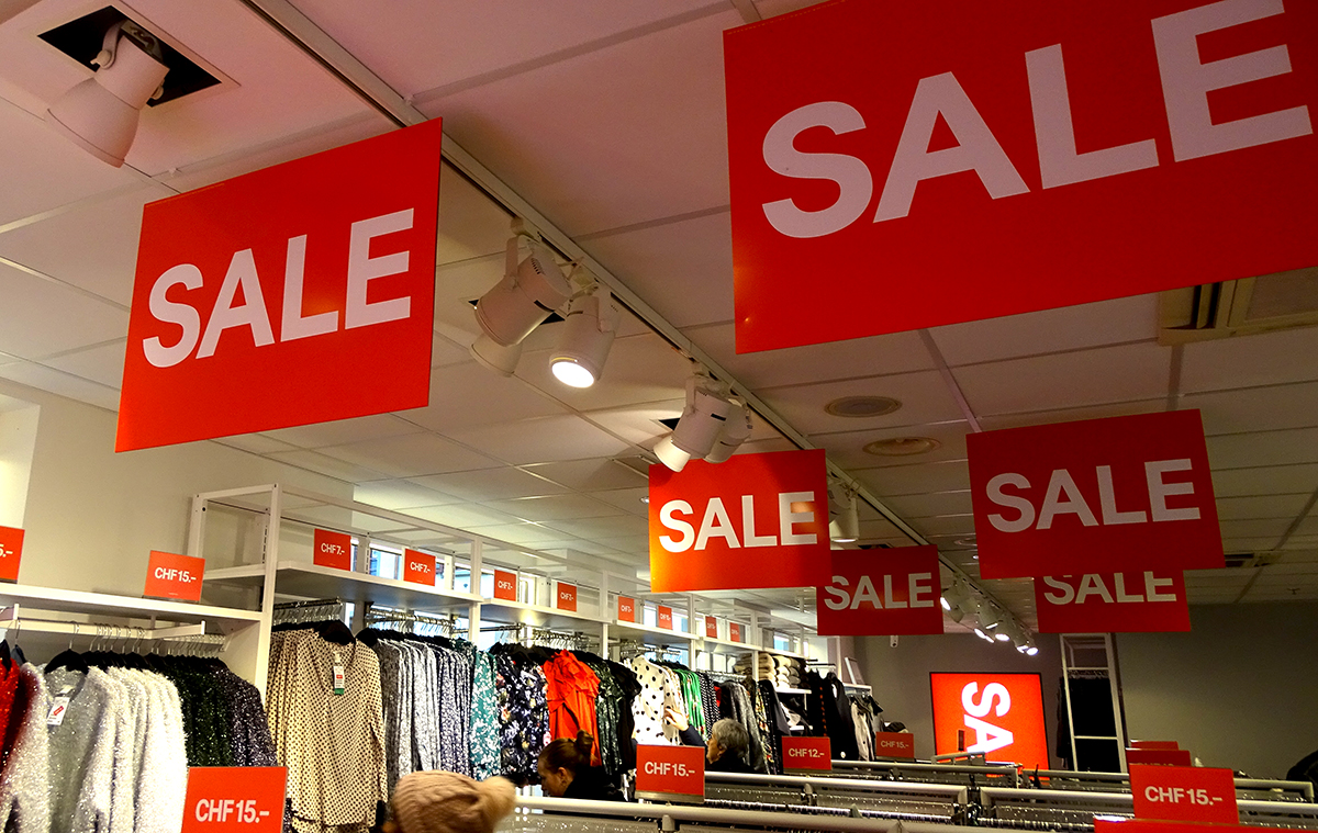 Den Sale vor Augen – unübersehbar.