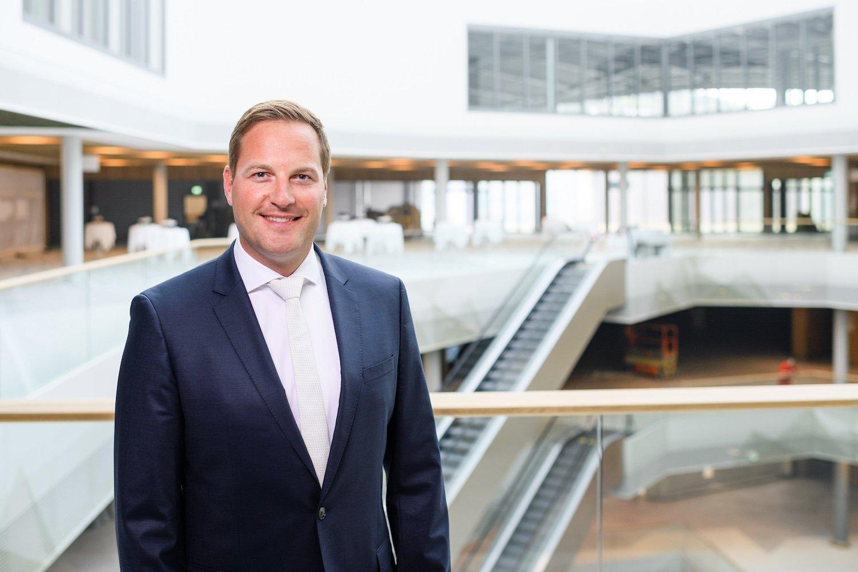 Mit dem Fortschritt des Projekts ändern auch die Aufgaben. Seit der Eröffnung ist klar Centerleiter Jan Wengler das Gesicht der Mall of Switzerland in der Öffentlichkeit.