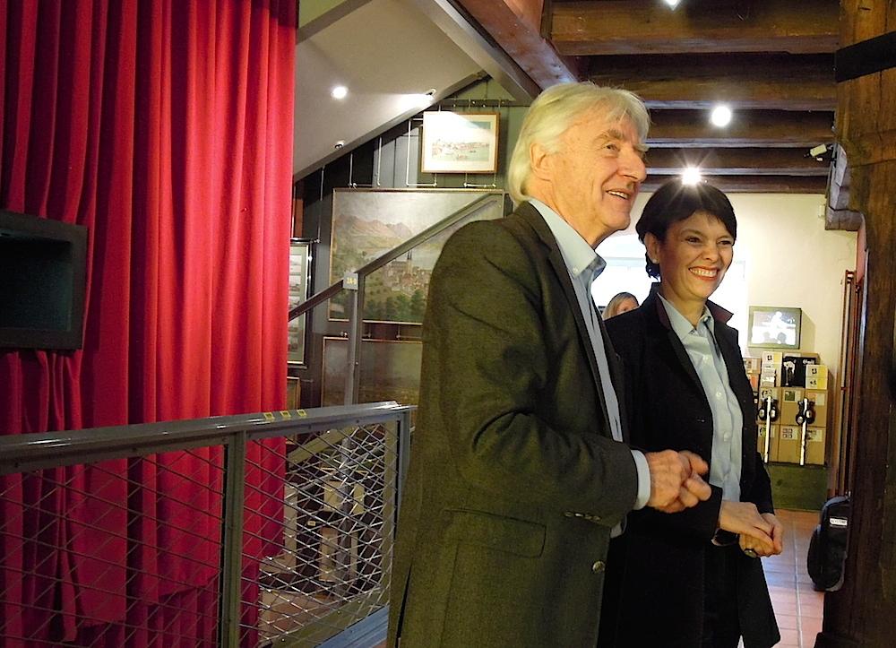 Emil Steinberger und seine Frau Niccel amüsieren sich 2015 bei der Ausstellung im Historischen Museum.
