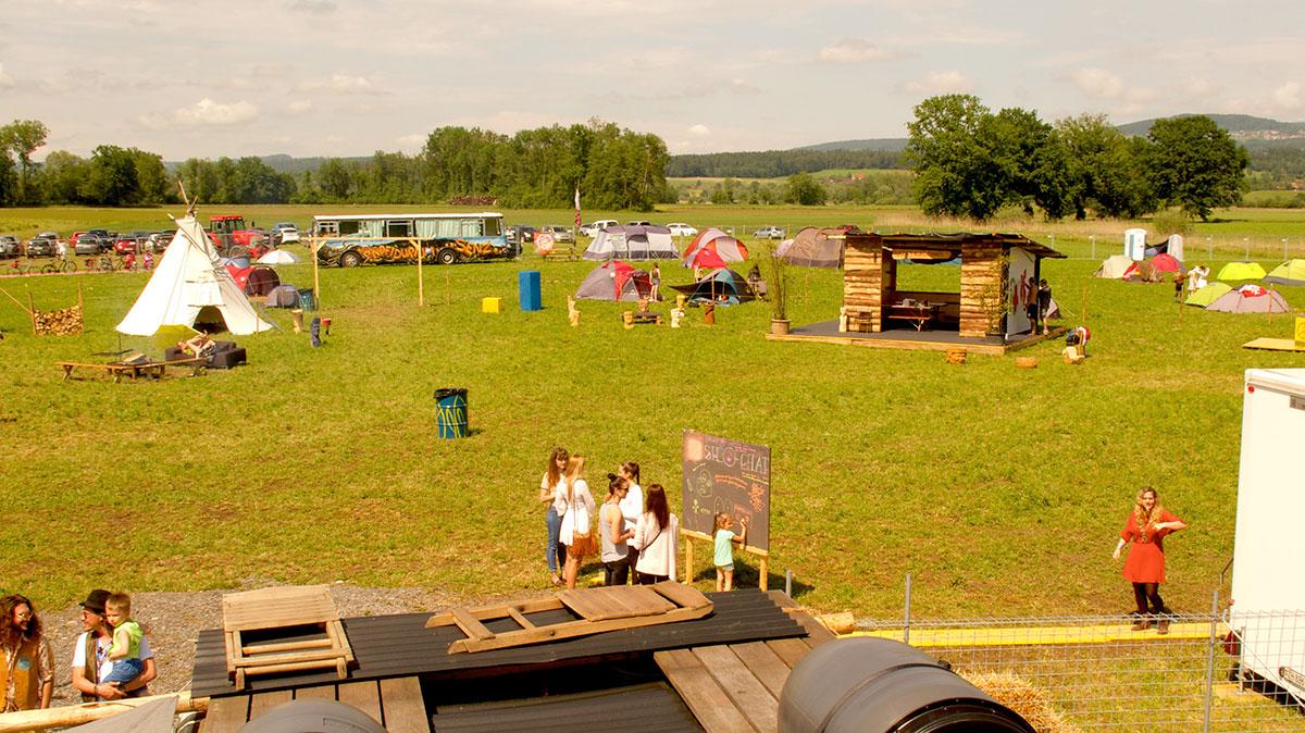 Hier war er noch trocken: der Zeltplatz am Silo-Festival. (Bild: Laura Livers)