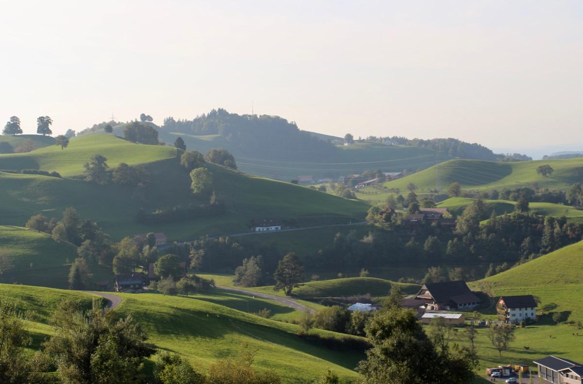 Gesunde Landschaft, wenig Ärzte: Menzingen und Finstersee.