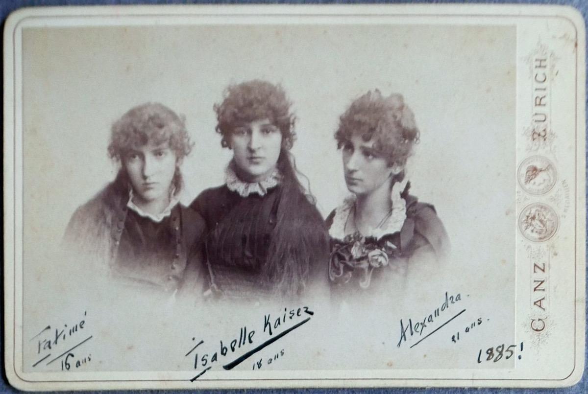 Die drei Töchter der Familie Kaiser: Fatime, Isabelle und Alexandra.