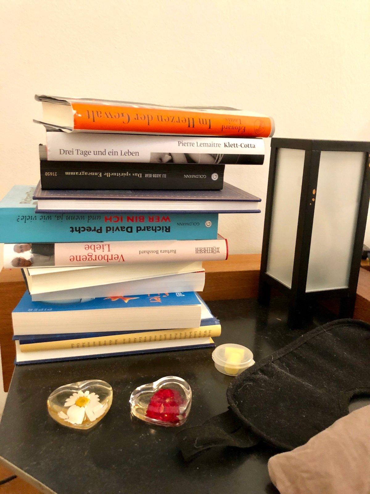 So sieht es auf dem Nachttischchen von Jonny Fischer aus.