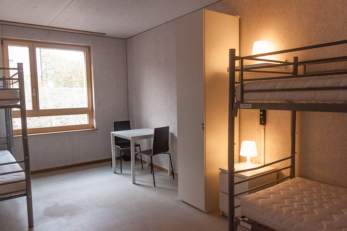 Ein Zimmer im Asylzentrum Grosshof.