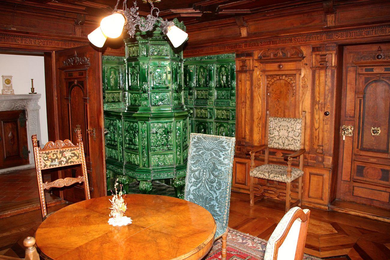 Das braune Zimmer wird jeweils am 1. August gezeigt.