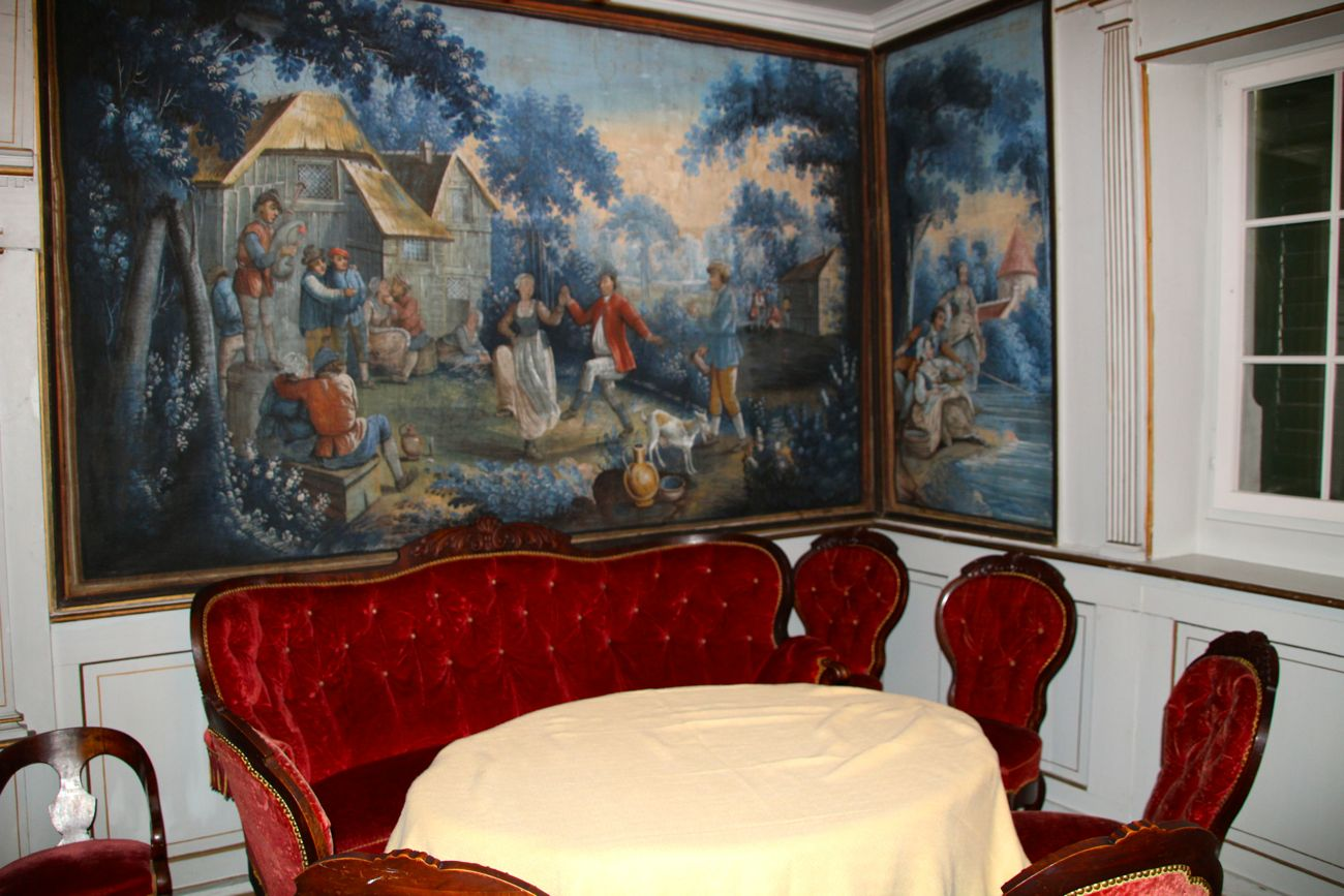 Im blauen Zimmer feiert die Familie Bossard manchmal Familienfeste.
