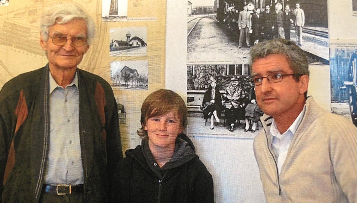 Reise nach Budapest: András Özvegyi (rechts) mit Sohn und Vater; auf dem Foto sein Grossvater.