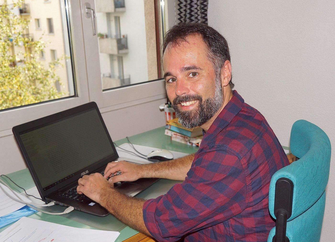 Hier entstand der Roman: Stefan Kämpfen in seiner Schreibstube.