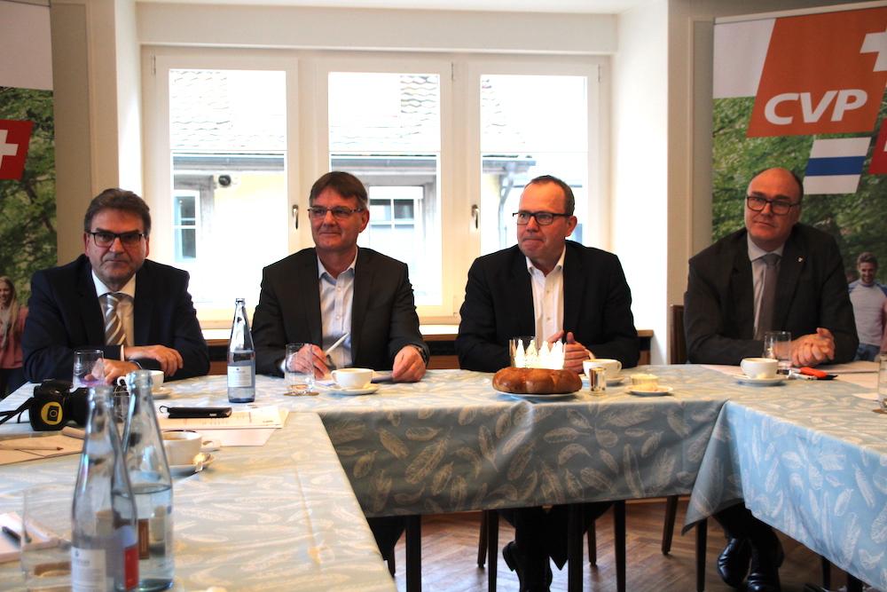 CVP-Männer, so weit das Auge blickt (von links): Sicherheitsdirektor Beat Villiger, Kantonsrats-Fraktionschef Thomas Meierhans, Parteipräsident Pirmin Frei und Gesundheitsdirektor Martin Pfister.