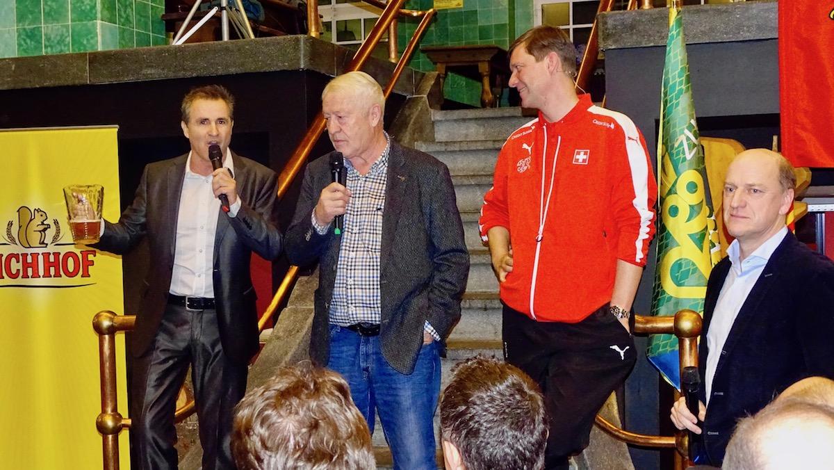 Geballte Fussballkompetenz: René Rindlisbacher, Kudi Müller, Mike Hauser und Heinz Moser (v.l.n.r)
