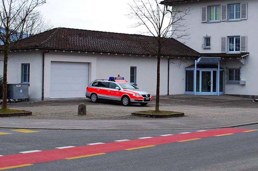 Der Unfall in Meggen ereignete sich in der Nähe des Polizeipostens an der Hauptstrasse 21.