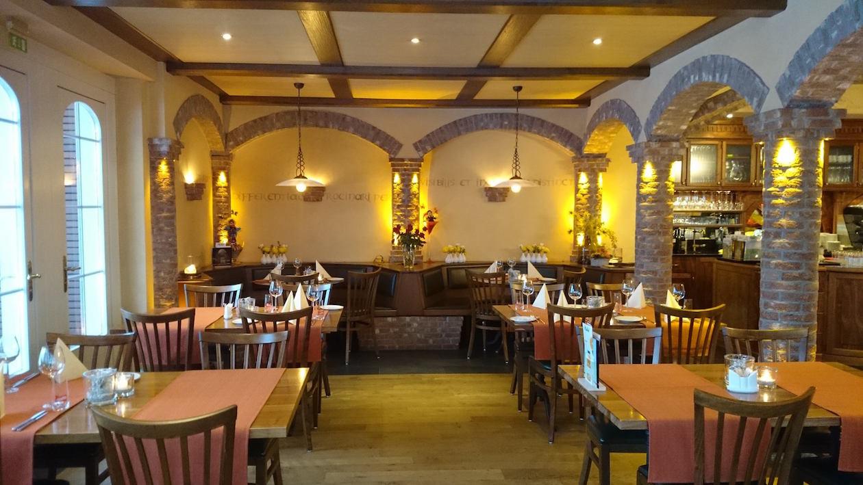 Gutbürgerliche Küche und einen Stammtisch für Einheimische versprach die Gaststube.