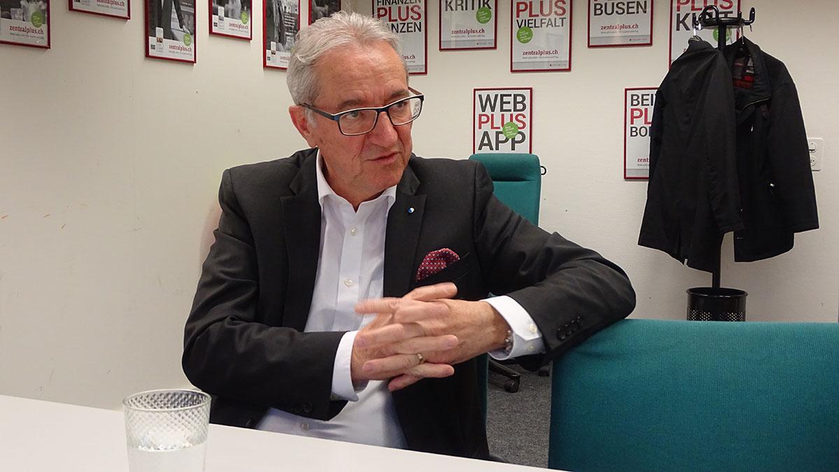 Regierungsrat Robert Küng pocht auf mehr Strassenraum.