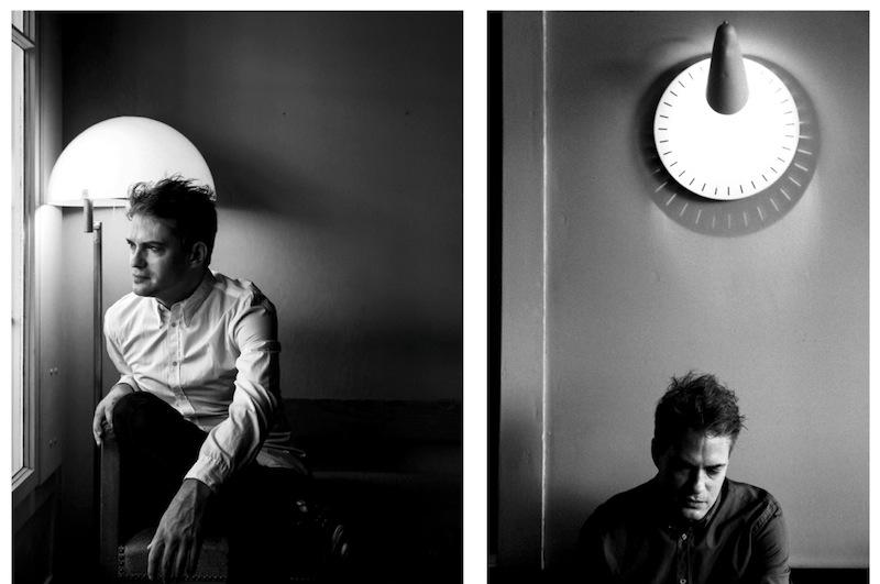 Florian Burkhardt in seinem Stammcafé in Bern. (Bilder: Gian Losinger)