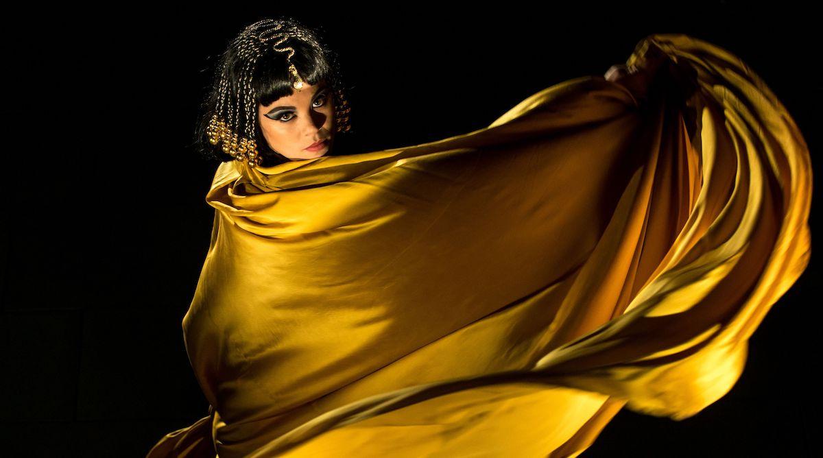 Als Cleopatra: Regula Mühlemann kann auch eine goldige Diva spielen.