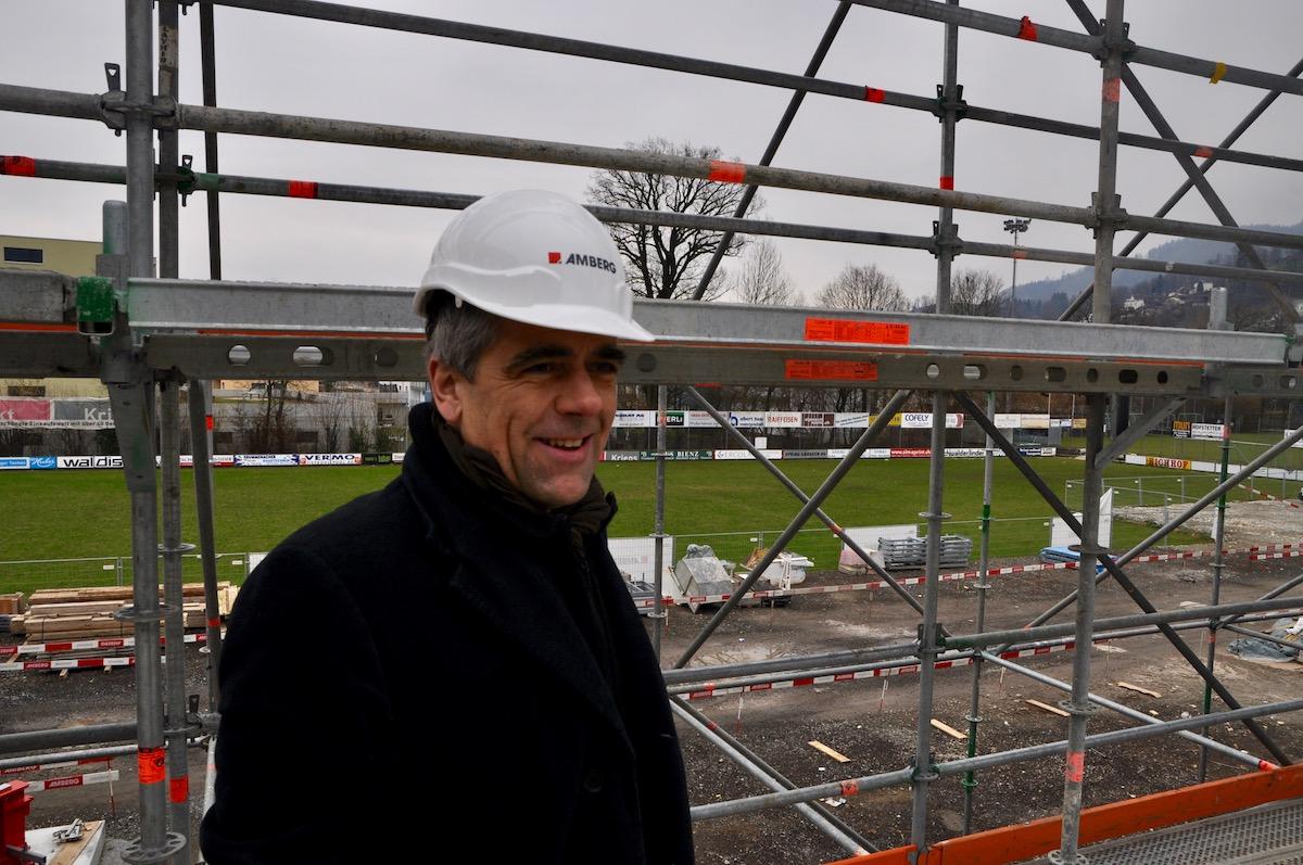 SCK-Präsident Werner Baumgartner zeigt «seine» Baustelle.