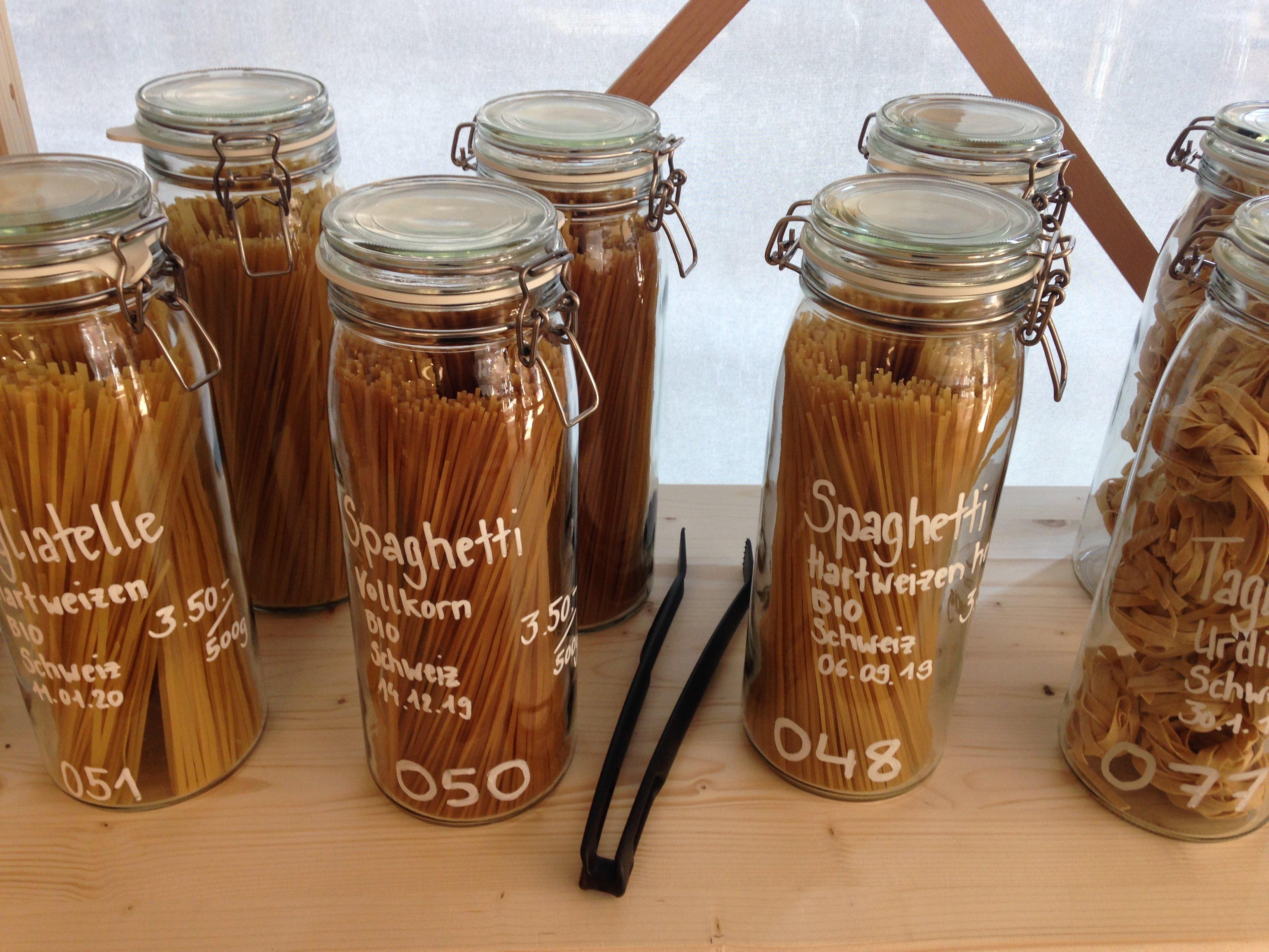 Zum Beispiel Pasta gab es bei Unverpackt Luzern abfallfrei zu kaufen.