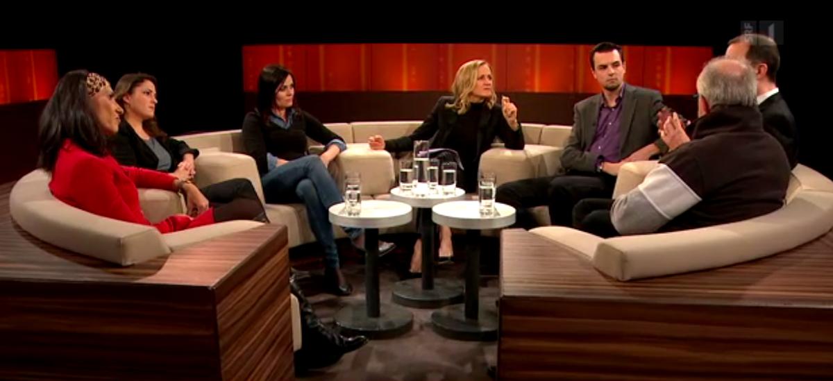 Insgesamt sechs Gäste diskutieren in der SRF-Sendung über das Thema Hasskommentare.