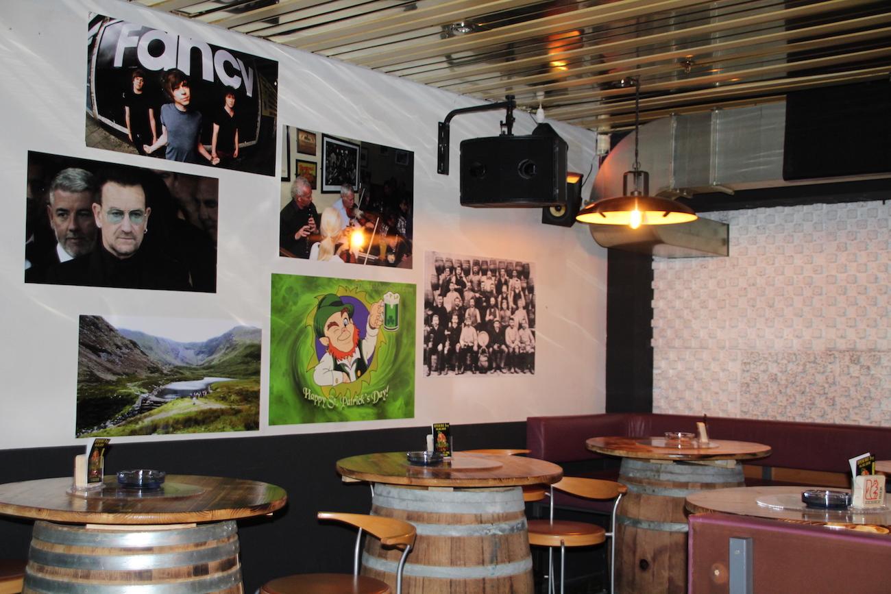 In einem irischen Pub darf auch Lichtgestalt Bono nicht fehlen.