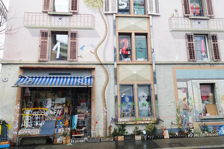«Gibi 6»: Fassaden-Malerei, Zahlen hinter den Fenstern und lauter Kram