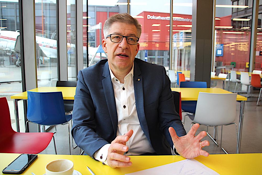 Martin Bütikofer, CEO des Verkehrshauses in Luzern und Vater der Zuger Stadtbahn, befürchtet eine Abwertung des Nahverkehrs durch Gratis-ÖV.