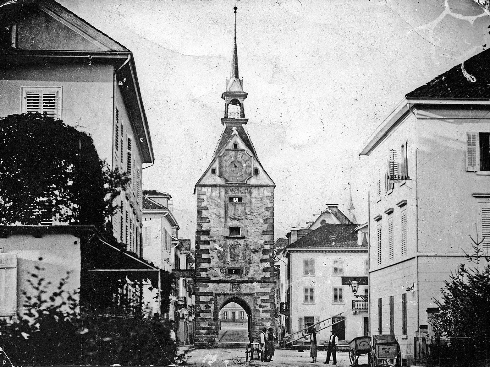 Ein Zug aus vergangener Zeit: Der Postplatz in Zug sah 1873 noch etwas anders aus.