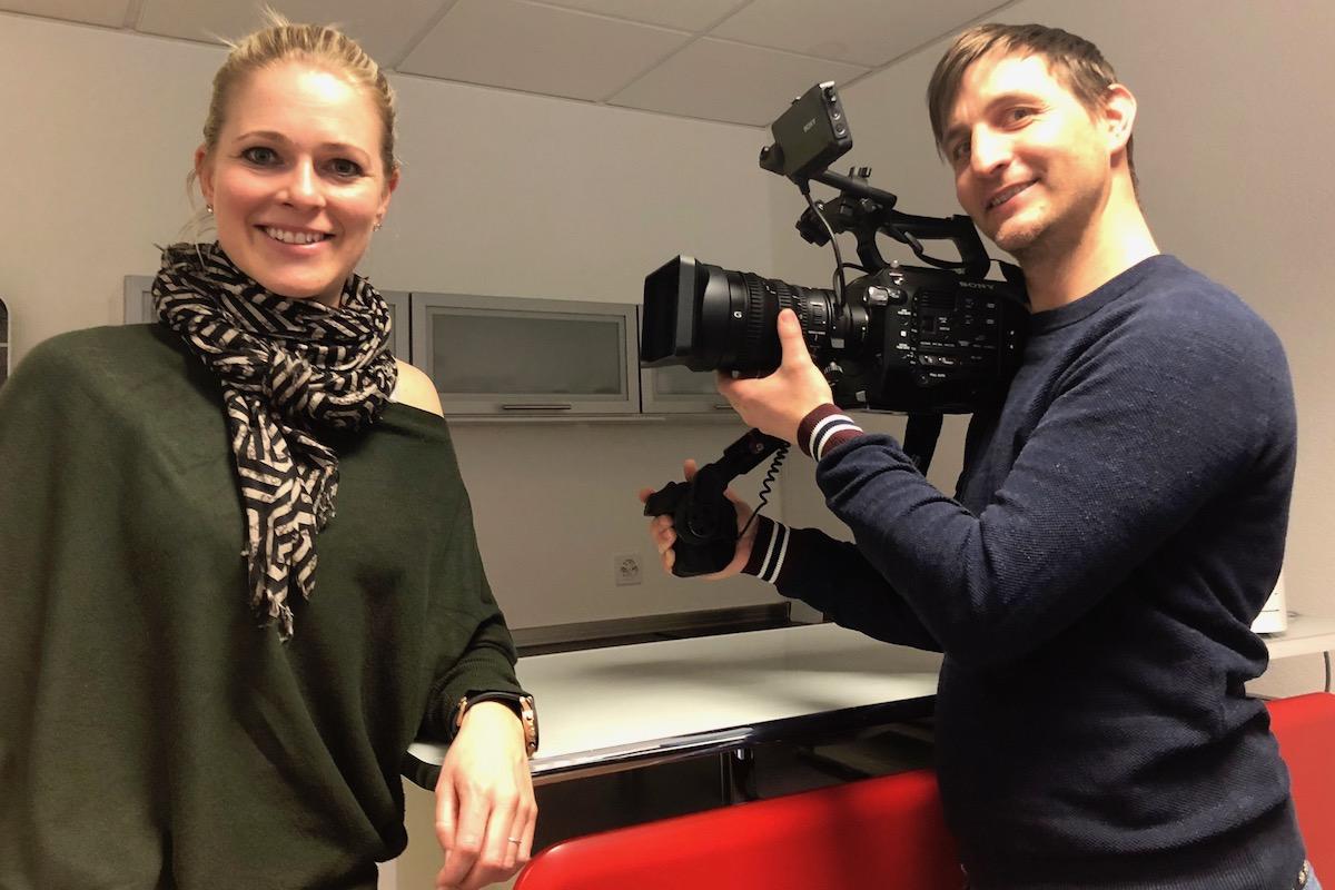 Weicht nie von Nicole Birchers Seite: Kameramann Stefan Hänni.