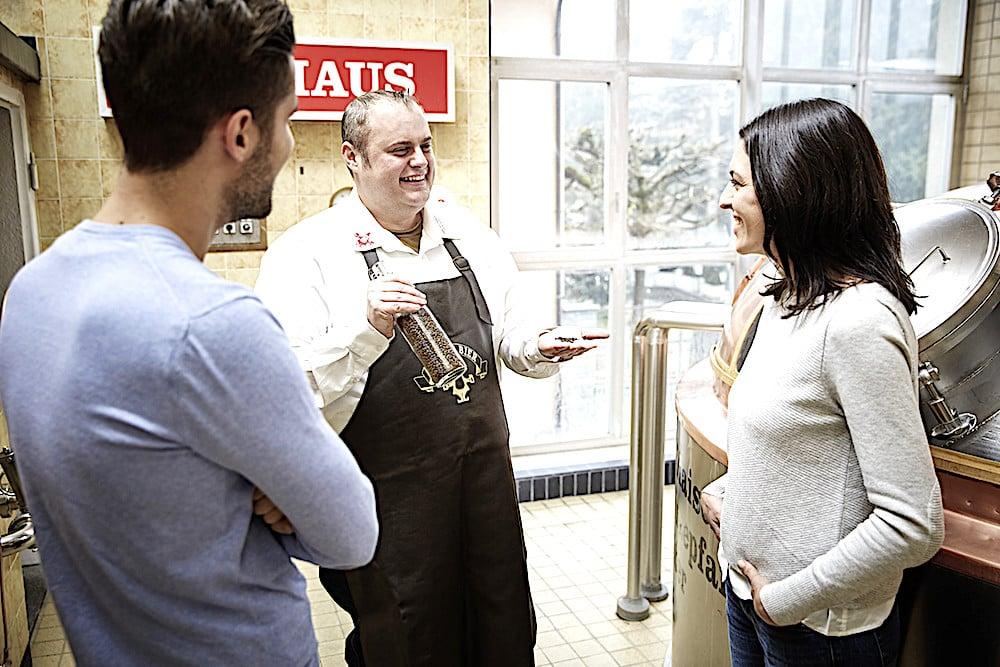 Er hat gut lachen: Martin Uster, Geschäftsführer der Brauerei Baar. In den letzten zehn Jahren, seit der Übernahme der Luzerner Eichhof-Brauerei durch Heineken, hat sich der Bierausstoss in Baar um das Zweieinhalbfache, auf 2,1 Millionen Liter Bier im letzten Jahr, erhöht.
