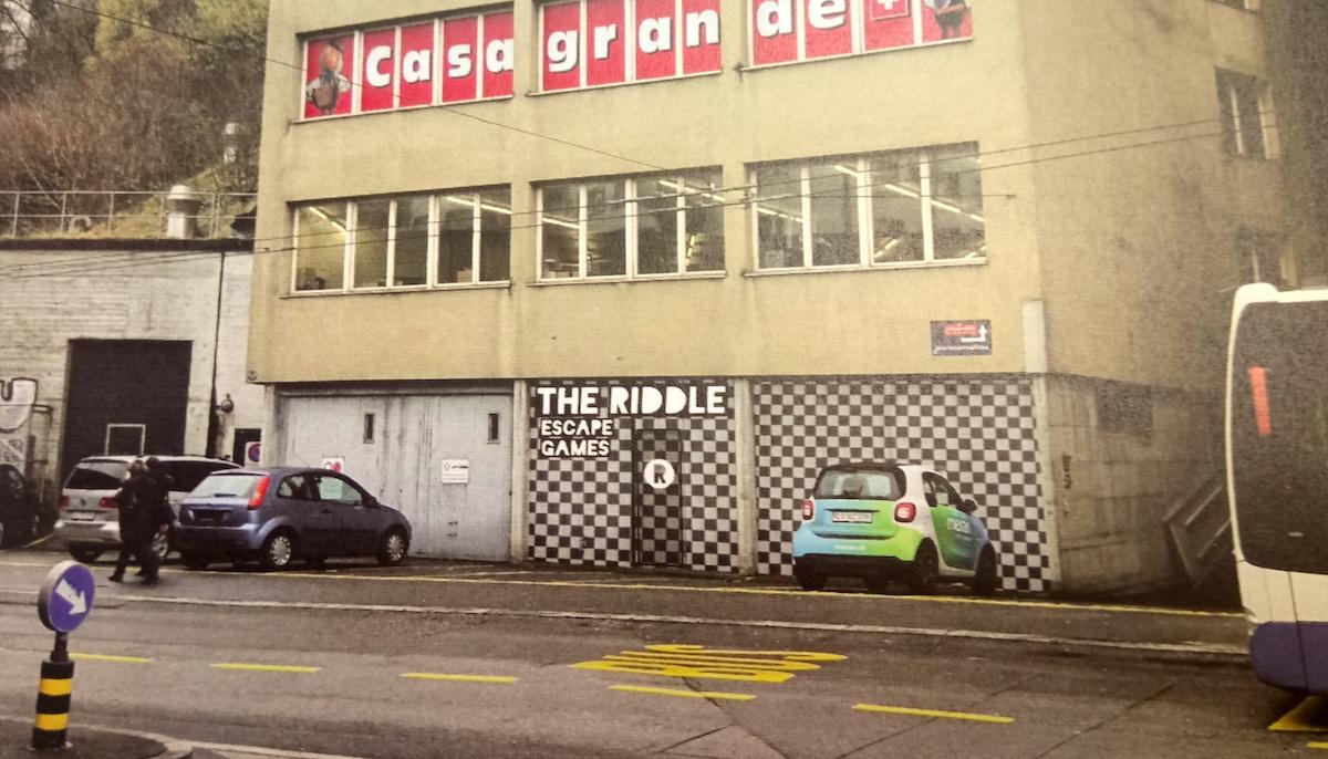 So soll der Eingang zum Escape Room «The Riddle» an der Baselstrasse aussehen.