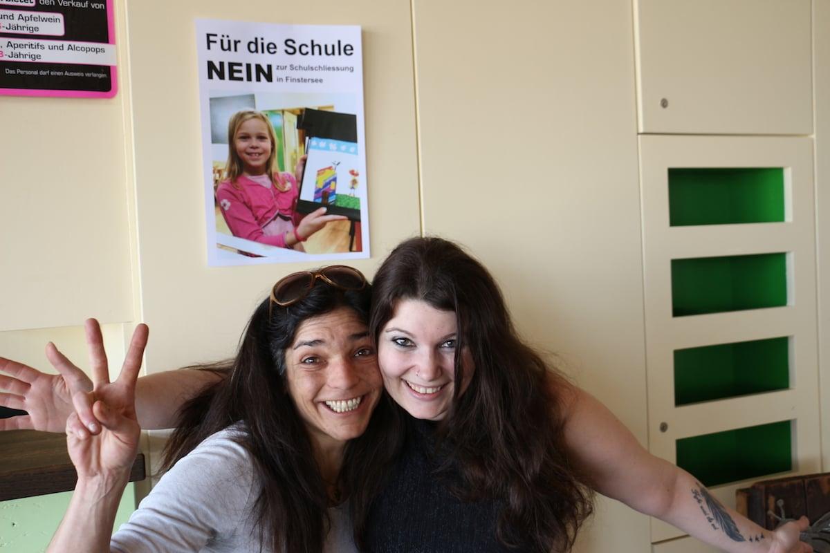 Corinne Kramer (l.) und Claudia Schärli freuen sich ungemein über das Abstimmungsergebnis. Kein Wunder, haben sie doch viel Energie in die Angelegenheit investiert.