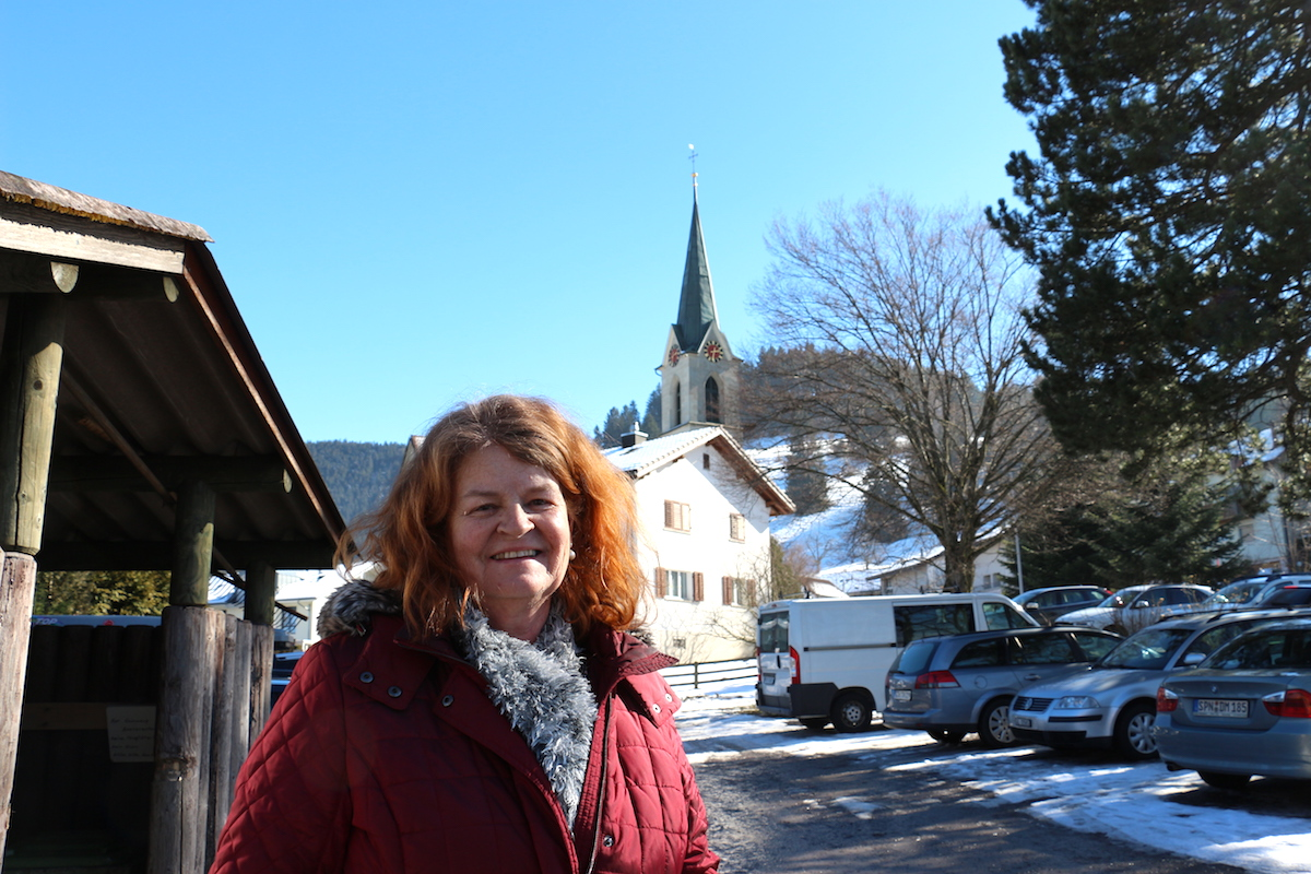 Die örtliche Sakristanin Elisabeth Lütolf hat extra die Kirchenglocken läuten lassen, als sie vom «super Resultat» gehört hat.