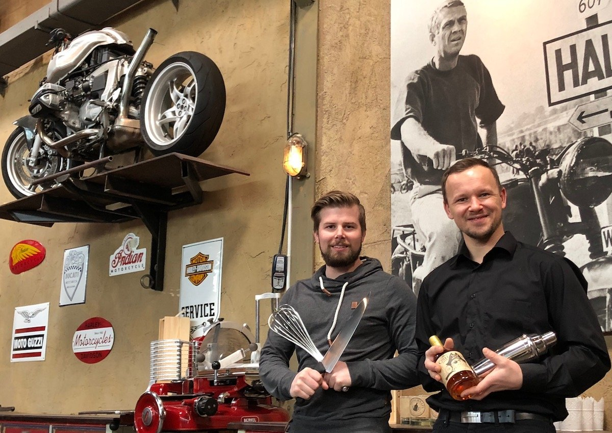 Treiben das neuste «Pferd» im Sinnvoll-Gastro-Stall voran: Koch Patrick Stocker und Barista Günter Rosenkranz.