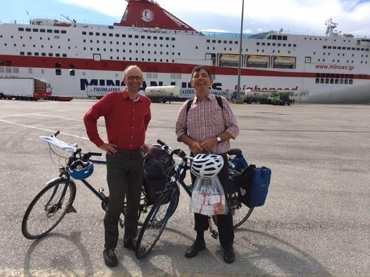 Reisefüdli: Michael Töngi mit Lebenspartner Thom Schlepfer auf seinem 1800-Kilometer-Tripp in Patras.