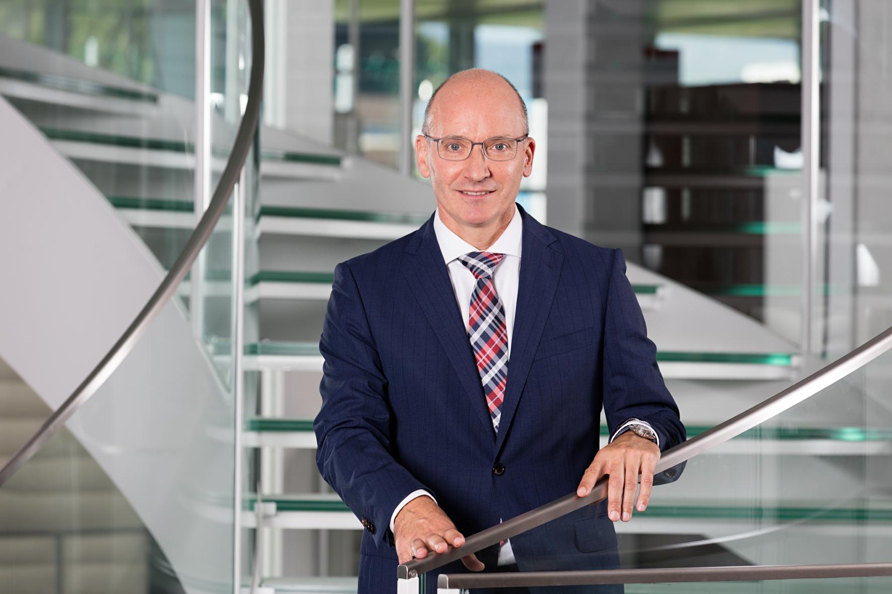 Urs Riedener ist seit 2008 CEO der Emmi.